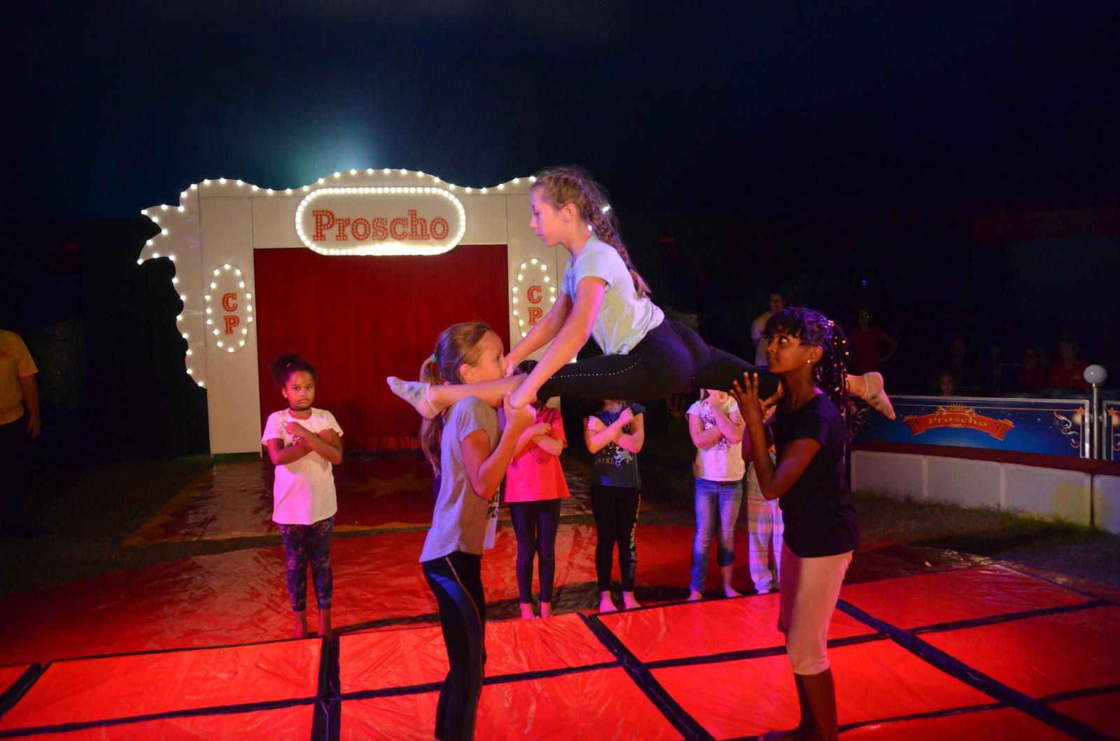 SummerTent-JKJ2021-Jugendkultursommer-zirkus