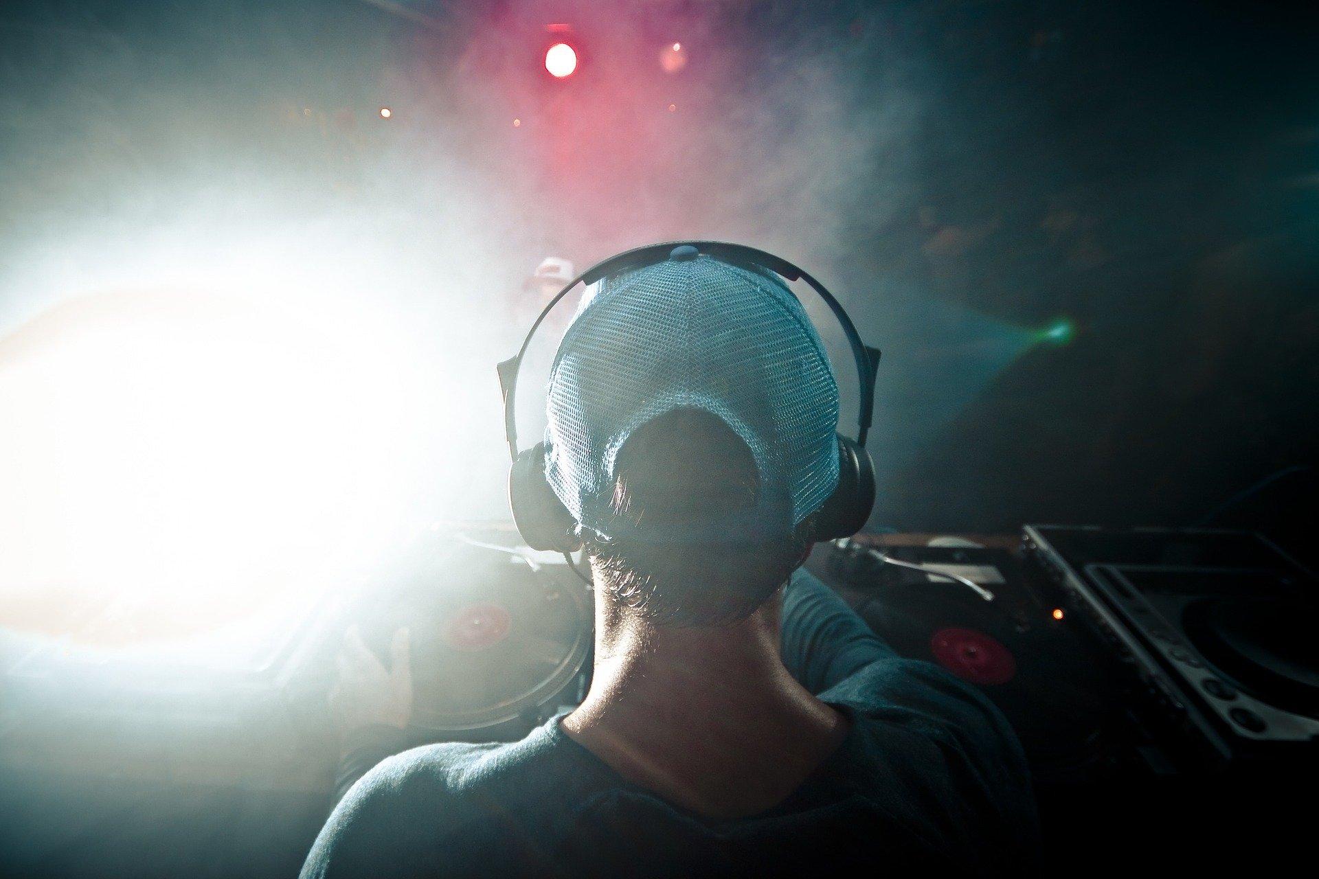 SummerTent-JKJ2021-Jugendkulturjahr-DJ-Picknick