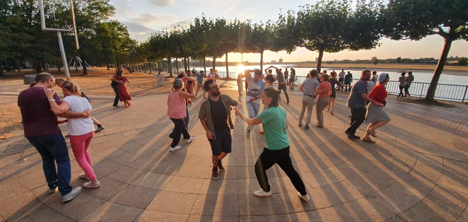 SummerTent-JKJ2021-Jugendkultursommer-lindy-hop-dance-tanz